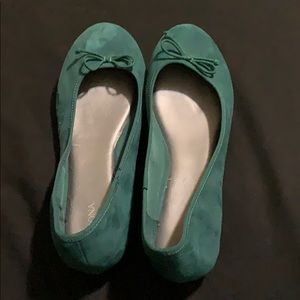 Green Flats with tiny bow